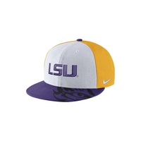 Nike College Sneaker True Hat