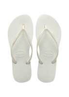Havaianas Slim White, A Core style that merchandise perfectly back to any collection.