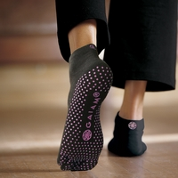 Gaiam All Grip No Slip Yoga Socks  Medium or Large Pink Dots