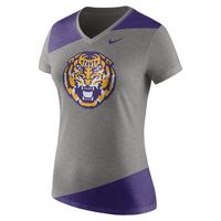 WOMANS NIKE SHORT SLEEVE TEE