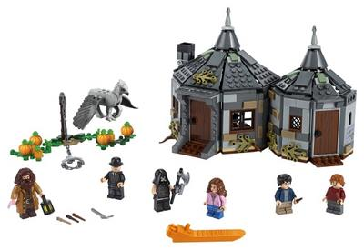 LEGO  Harry Potter  tm  Hagrids Hut Buckbeaks Rescue 75947