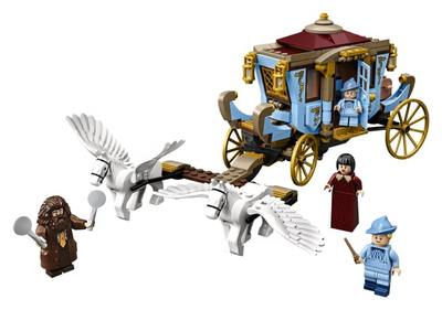 LEGO  Harry Potter  tm  Beauxbatons Carriage Arrival at Hogwar 75958
